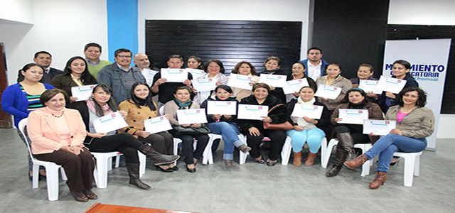 """Clausuran taller """"Formación política y sindical"""" en Loja"""