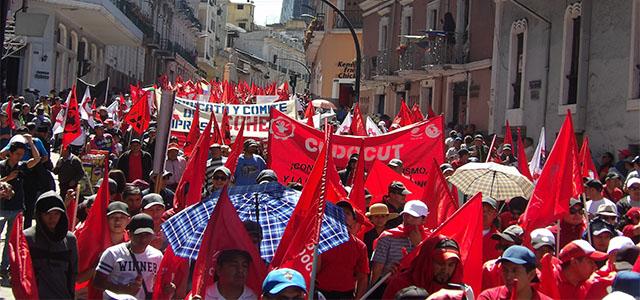 Grito de protesta del pueblo en contra del gobierno y el FMI